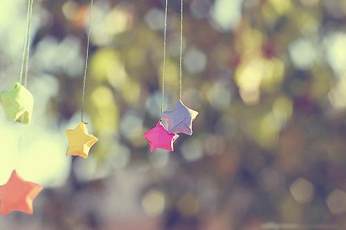 LOMO图片:相传幸福是个美丽的玻璃球,跌碎散落在世间的每个角落