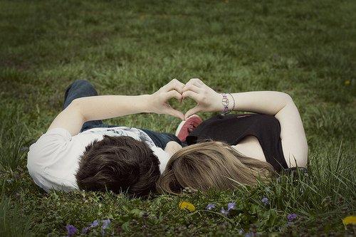 情感语录:幸福不会遗漏任何人,迟早有一天它会找到你