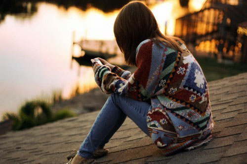 伤感语录:尽情去想念吧,也许有一天,你再也不会如此想念他了