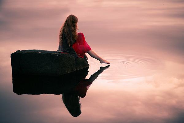 唯美伤感图片:我的孤单,仅与我自己有关