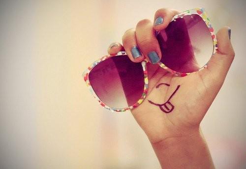 优美图片:要学会用完美的眼光,欣赏一个并不完美的人