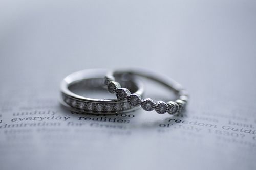 早安心语:东西若丢,不过方圆百里;爱情若丢,则是天涯海角