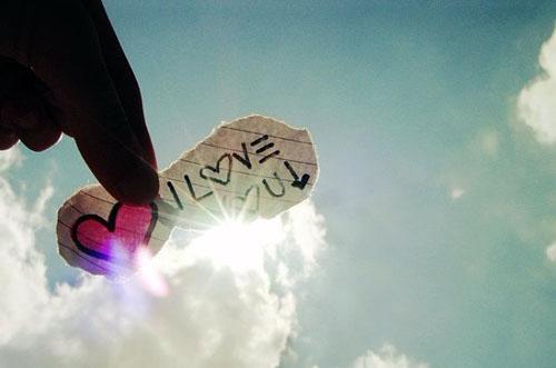 人生语录:没有哪个人比你的生命重,没有哪场爱情会比你尊严重