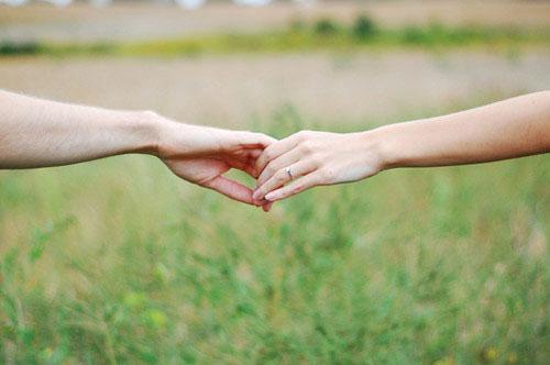 爱情语录:彼岸花,开一千年,落一千年,花叶永不相见