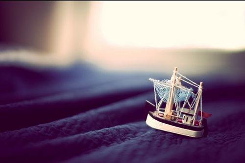 晚安心语:当我们懂得珍惜平凡的幸福时,就已经成了人生的赢家