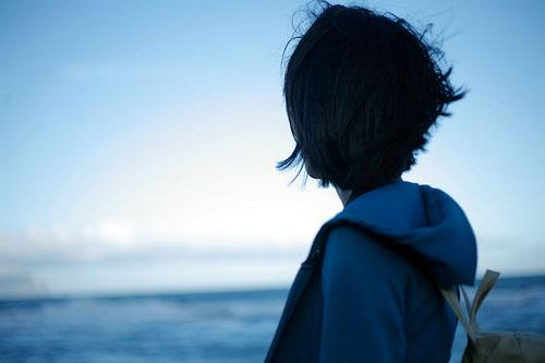 伤感的句子:当眼泪流下来,才知道,分开也是另一种明白