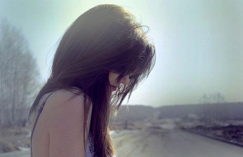韩寒爱情语录:女人吻男人是一种幸福,男人吻女人是一种口福