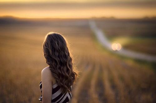 饶雪漫经典语录:从来不用回忆,因为不曾远离你