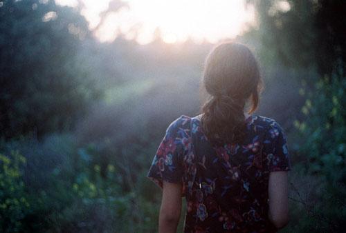 爱情语录:当一份幸福正在远离的时候,也是另一份幸福正在靠近当中