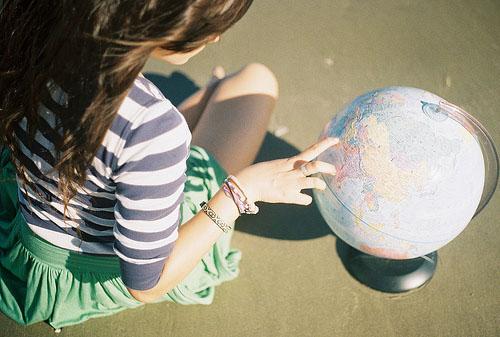 友情的句子:幸福的时候需要忠诚的友谊,患难的时刻尤其需要