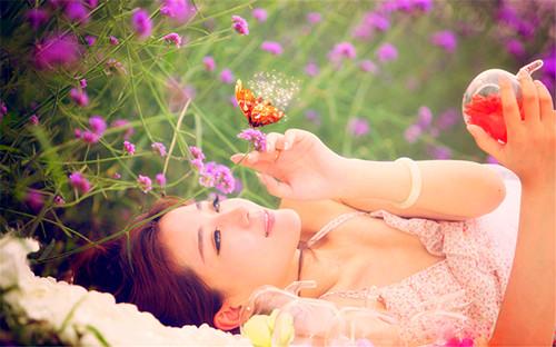 晚安心语:找一个温暖如太阳的人,为你晒掉所有的悲伤
