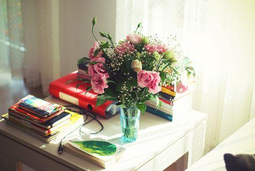早安心语:别抱怨,因为阳光透过缝隙,才能温暖你的生活