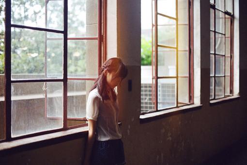 晚安心语:爱上你不是错,错的是,我没让你爱上我