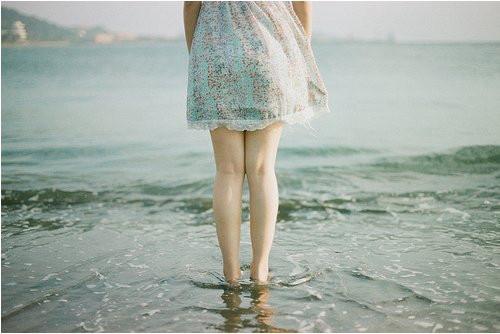 晚安心语:有一些人活在记忆里,刻骨铭心;有一些人活在身边,却很遥远