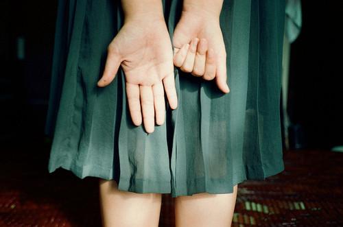 晚安心语:我需要牵着你的手,才能告诉你什么是永远