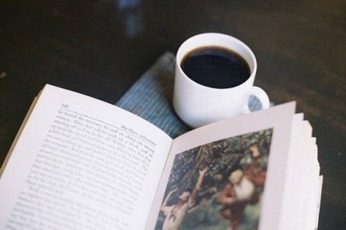 晚安心语:越有故事的人越沉静简单,越肤浅单薄的人越浮躁不安