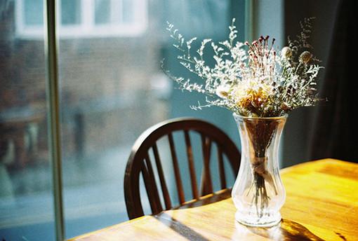 早安心语:静守一份安然,淡墨红尘,默然相爱,寂静喜欢