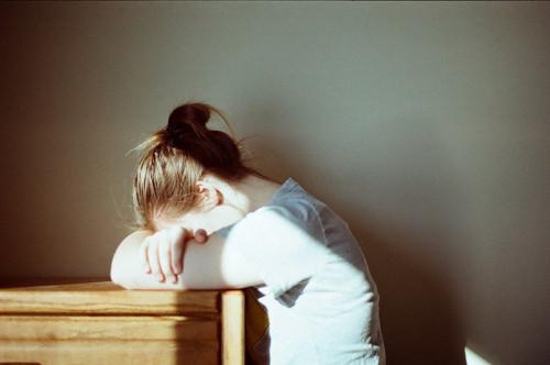 晚安心语:相信自己,你能作茧自缚,就能破茧成蝶
