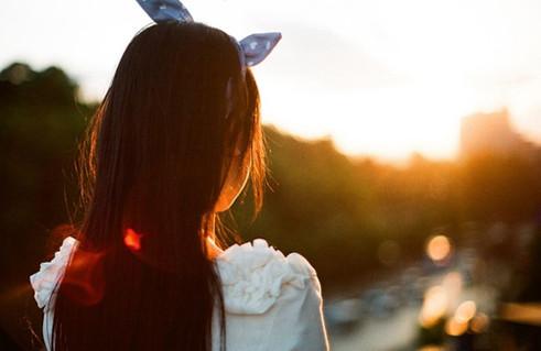 情感语录:一个人虽然自由,但两颗心才会温暖