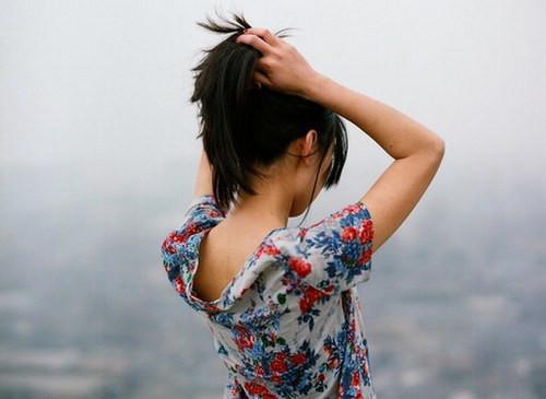 早安心语:生活中,我们习惯用微笑掩盖痛苦,用寂寞驱赶孤独,用淡忘疗养伤痕