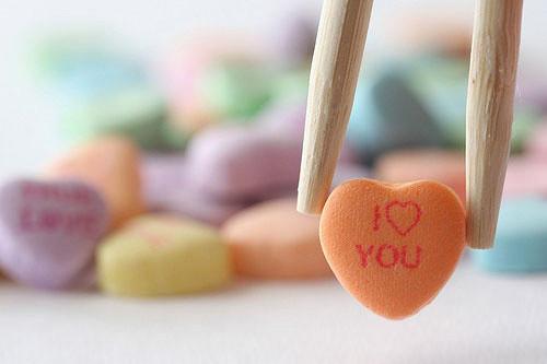 情感美文:你的爱,值得我多少次倒带?