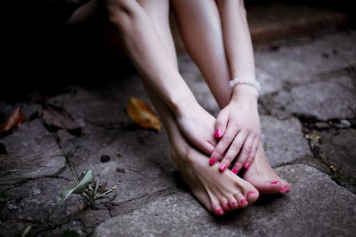 伤感语录:每个人的心里都潜藏着一条悲伤的河流