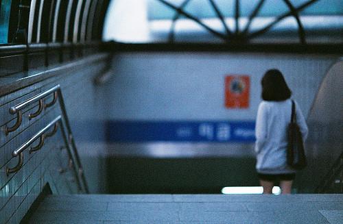 爱情文章:我在等,等你一个划断纠葛的决定,更期待的是一份鲜活的爱情