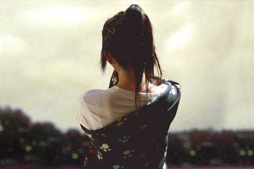 晚安心语:连语言都应该舍弃,你我之间,只有干干净净的缄默,与存在