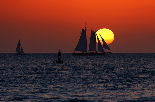 早安心语:岁月,在无憾中微笑,才美丽;人生,在眼泪中微笑,才多姿