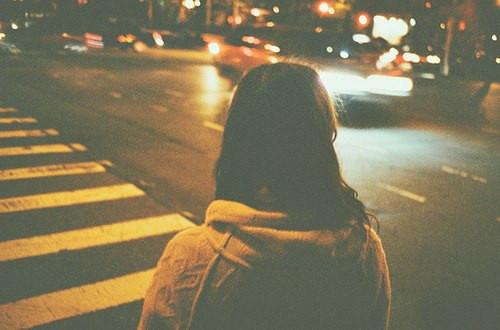伤感语录:未经失恋的人不懂爱情,未曾失意的人不懂人生