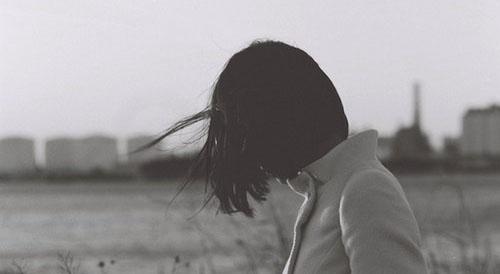 经典语录:以恬淡的模样,经历烟雨尘风的袭击,还原初时的自己