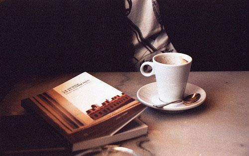 早安心语:多数的错失,是因为不坚持,不努力,不挽留,然后催眠自己说一切都是命运