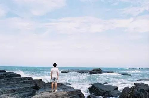 我好想逃,逃到另一个世界去