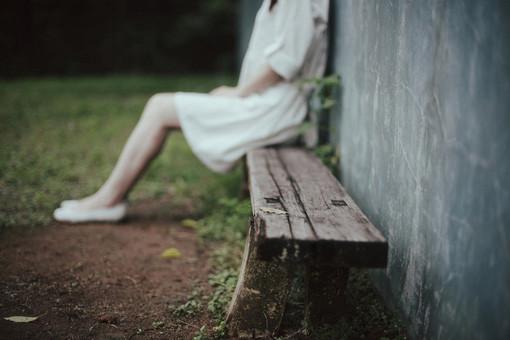 晚安心语:我们最孤独的,是在心途中迷失了自己