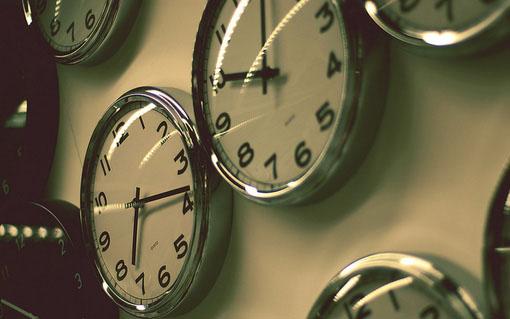 晚安心语:对生活失望,对自己失望,对他人失望,但是,唯独不能对下一秒钟失望