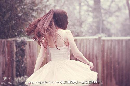 早安心语:不喧,不吵,静静地守着岁月;不怨,不悔,淡淡的对待自己