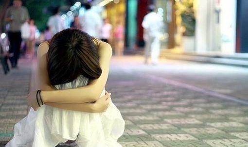 人生就这样:难过了不要告诉别人,因为没人在乎