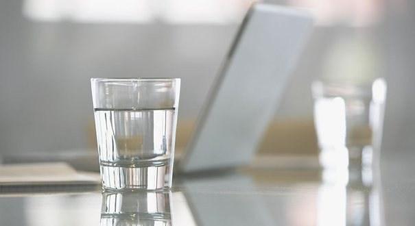 生活,其实只是一杯白开水而已