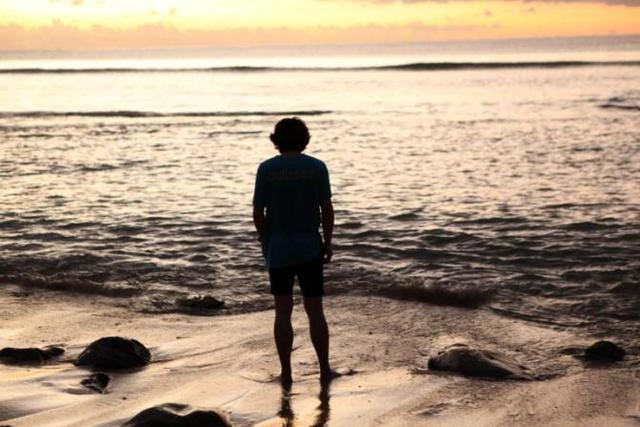 人生哲理句子:学着假装坚强,时间久了,就忘了什么是脆弱