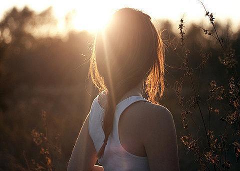 早安心语:突然的感悟,年轻时,不懂得;中年时,舍不得