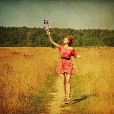 句句经典的人生感悟名言句子:容易伤害别人和自己的,总是对距离的边缘模糊不清的人
