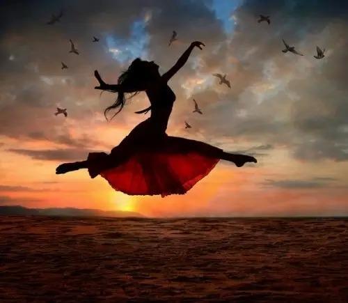 想做你的太阳,开心的时候温暖你,不开心的时候晒死你(爱情语录句子)