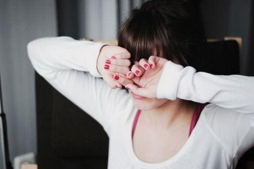 看着不喜欢的人,学着将内心的不满沉淀,看着喜欢的人,学着将内心的情绪隐藏