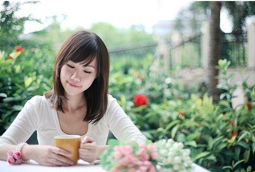 遇到困难,越是坚强的女人越是有一股让人尊敬与心疼的魅力