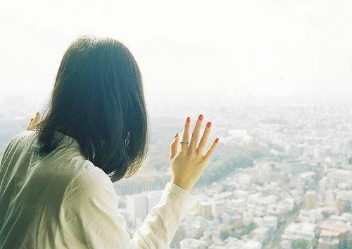 你就这样任性的走了进来,然后又温柔的走开,留下了温度和遗憾