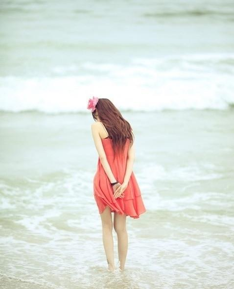 在错的时间遇上对的人,是一场伤心;在对的时间遇上对的人,是一生幸福(优美爱情语录句子)