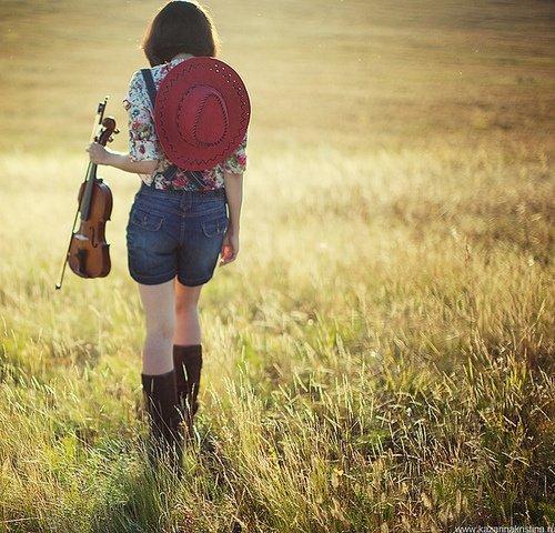 岁月若水,走过才知深浅;时光如歌,唱过方品心音(优美语录句子)