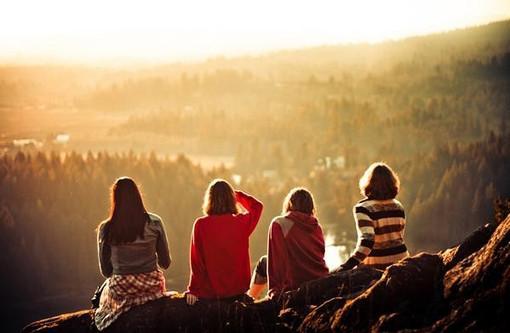 阅尽世间繁华,只想寻一方明亮的窗子,找到一份静心(人生感悟优美语录句子)