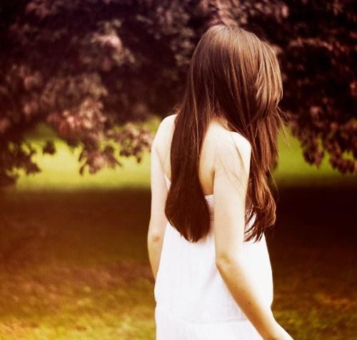 有时,爱也是种伤害,残忍的人,选择伤害别人,善良的人,选择伤害自己(扎心的语录句子)