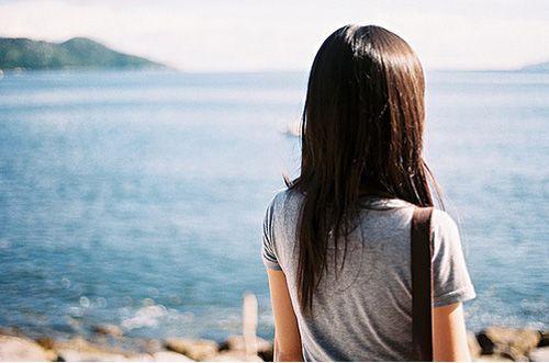 有一些人,这辈子都不会在一起,但是有一种感觉却可以藏在心里守一辈子(唯美语录句子)